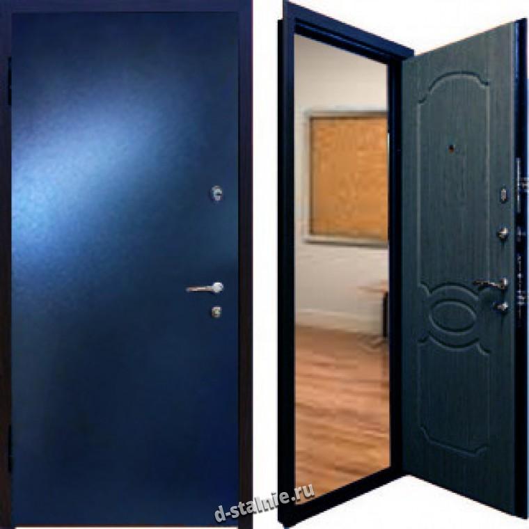 железная дверь у лифта